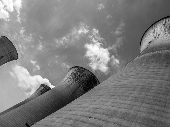 Cooling Tower, Willington, England - Image: BW 2587 Disused Power Station, Industrial Architecture.