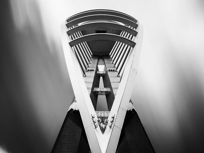 Spinnaker Tower, Portsmouth, England - Image: 0795 front elevation, Black / White