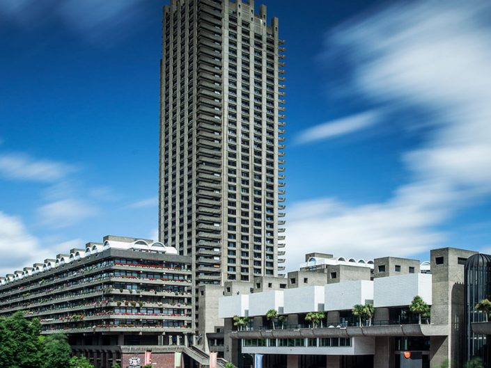 Barbican Centre London, England - Image: 0054 Colour Long Exposure, Concert Hall, Shakespeare Tower.
